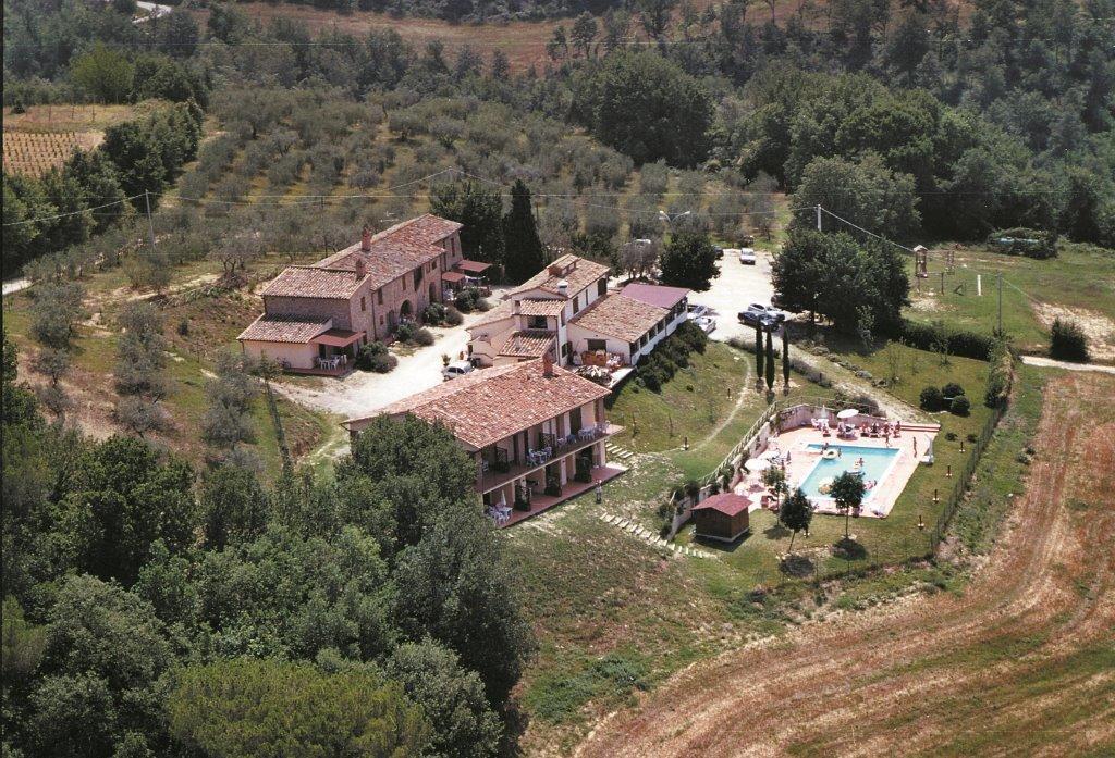 Agriturismo con appartamenti e ristorante Il Vecchio Casolare di Collazzone