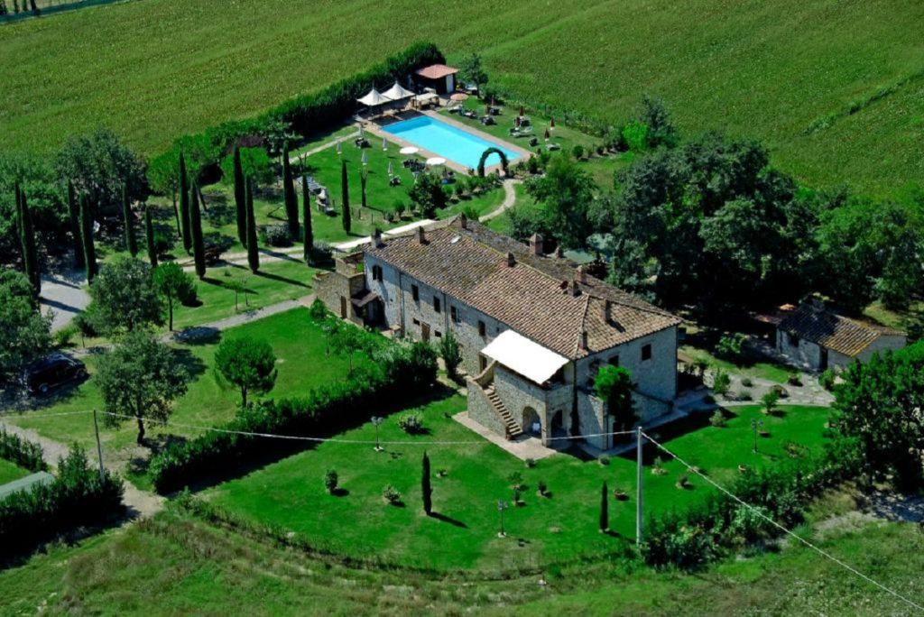 Appartamenti-con-ristorante-e-piscina-–-Il-Cascinale-di-Castiglione-del-Lago.