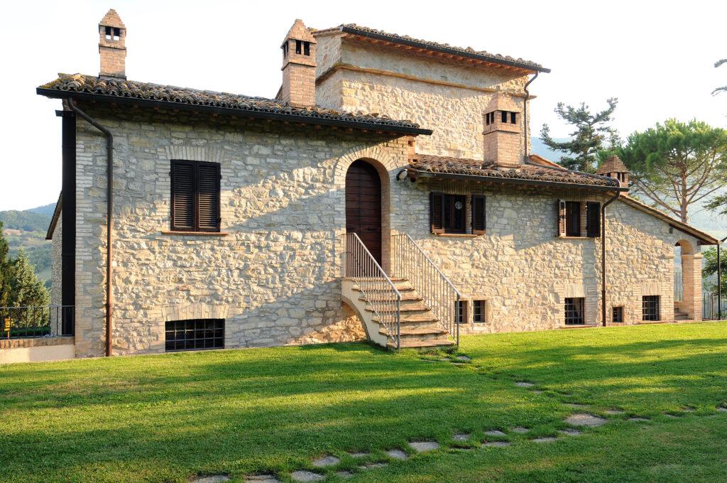 Residenza d'epoca con piscina - Villa Raffa Assisi