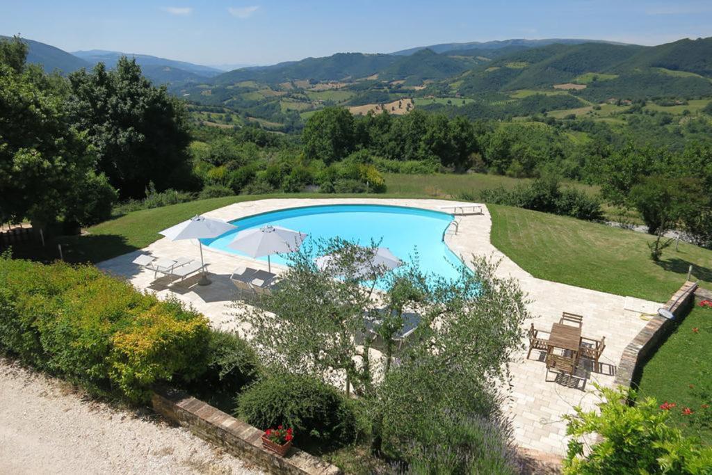Lastminute GIUGNO in appartamenti con piscina in Umbria