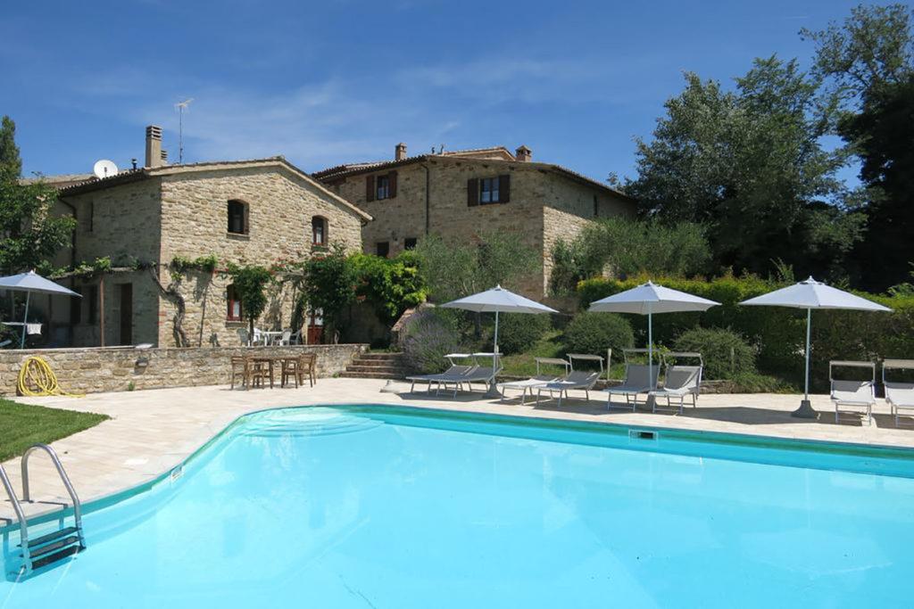 Offerta AGOSTO in Umbria in casa vacanza con piscina e barbecue