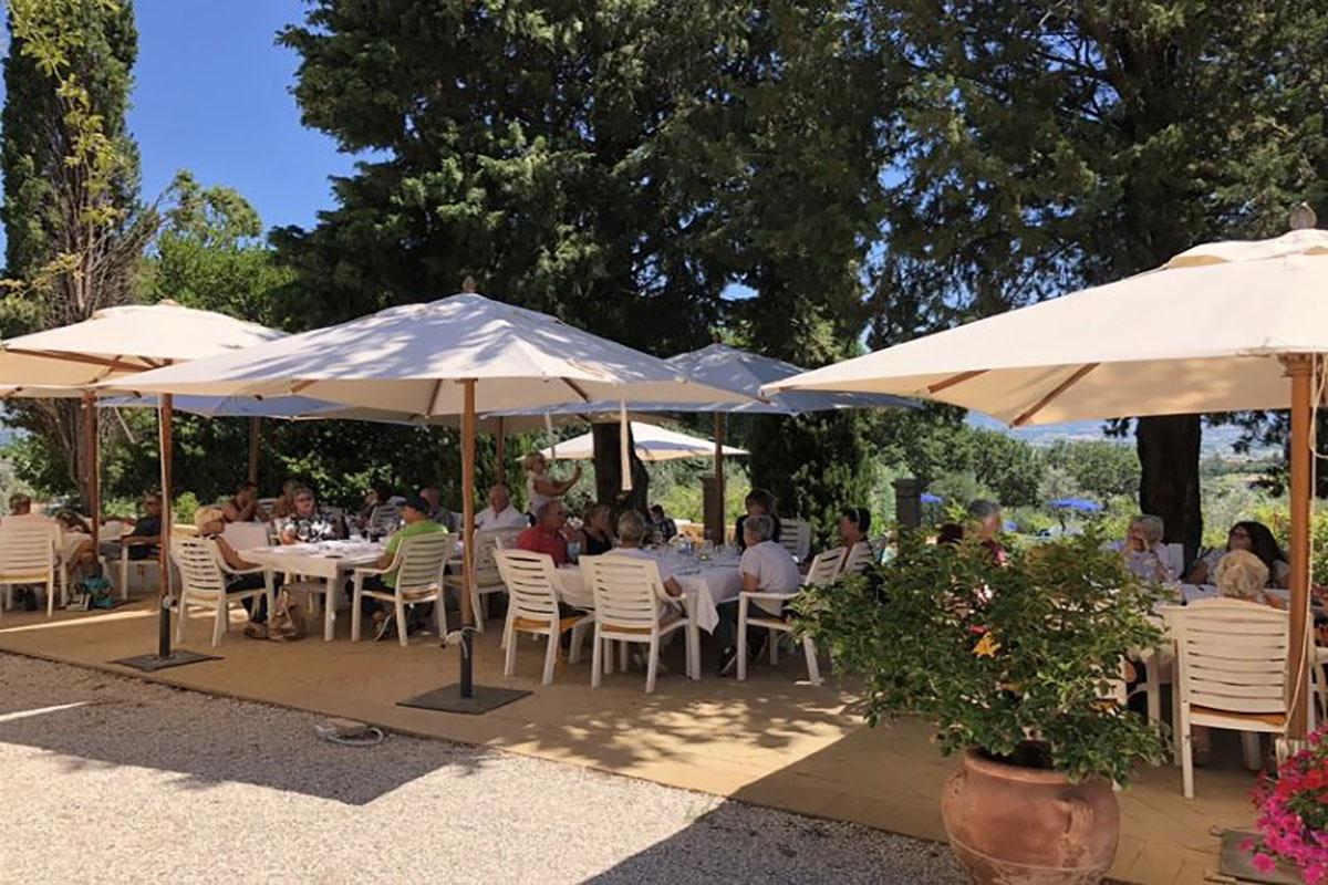 Bella Vista agriturismo conRistorante-a-Montefalco-con-terrazza-panoramica-ideale-per-cerimonie