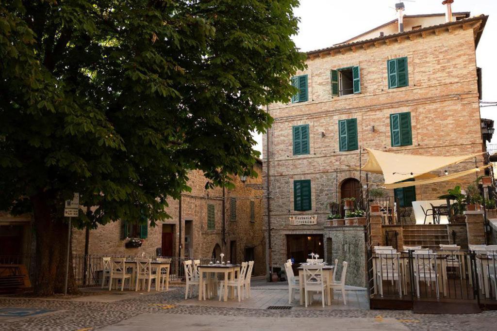 Hotel Ristorante La Taverna di Gualdo