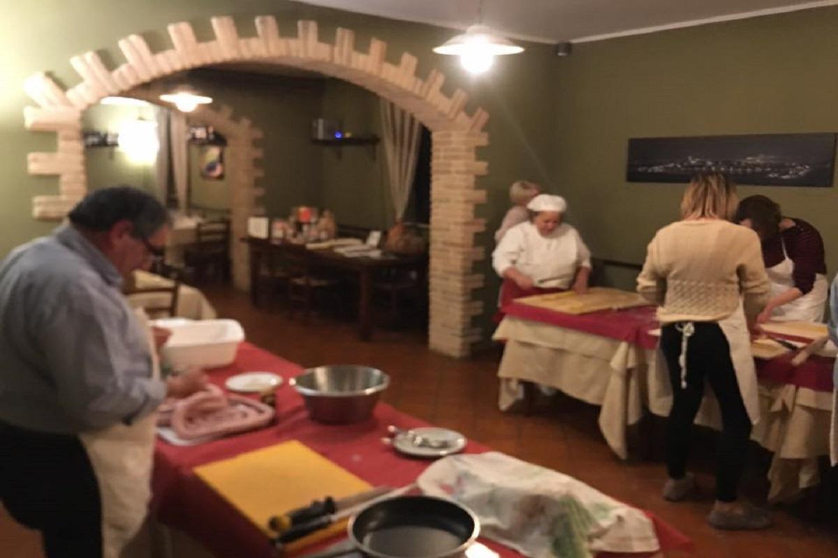 Corsi di cucina per grandi e piccoli presso Agriturismo vicino Assisi