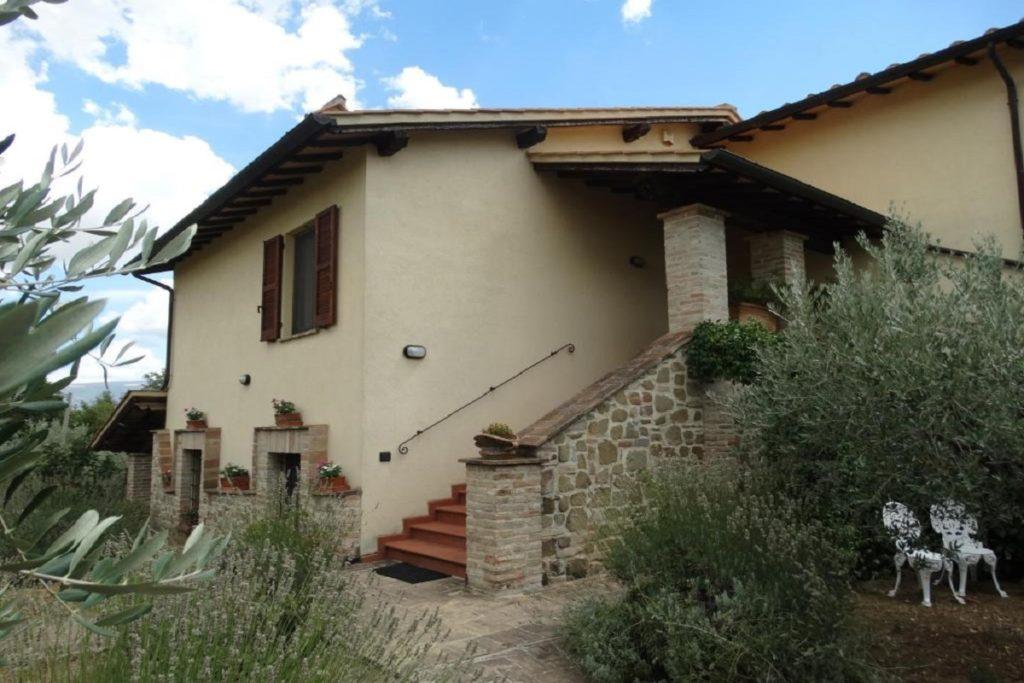 Country house con ristorante vicino Assisi - Agrirelais a Bettona