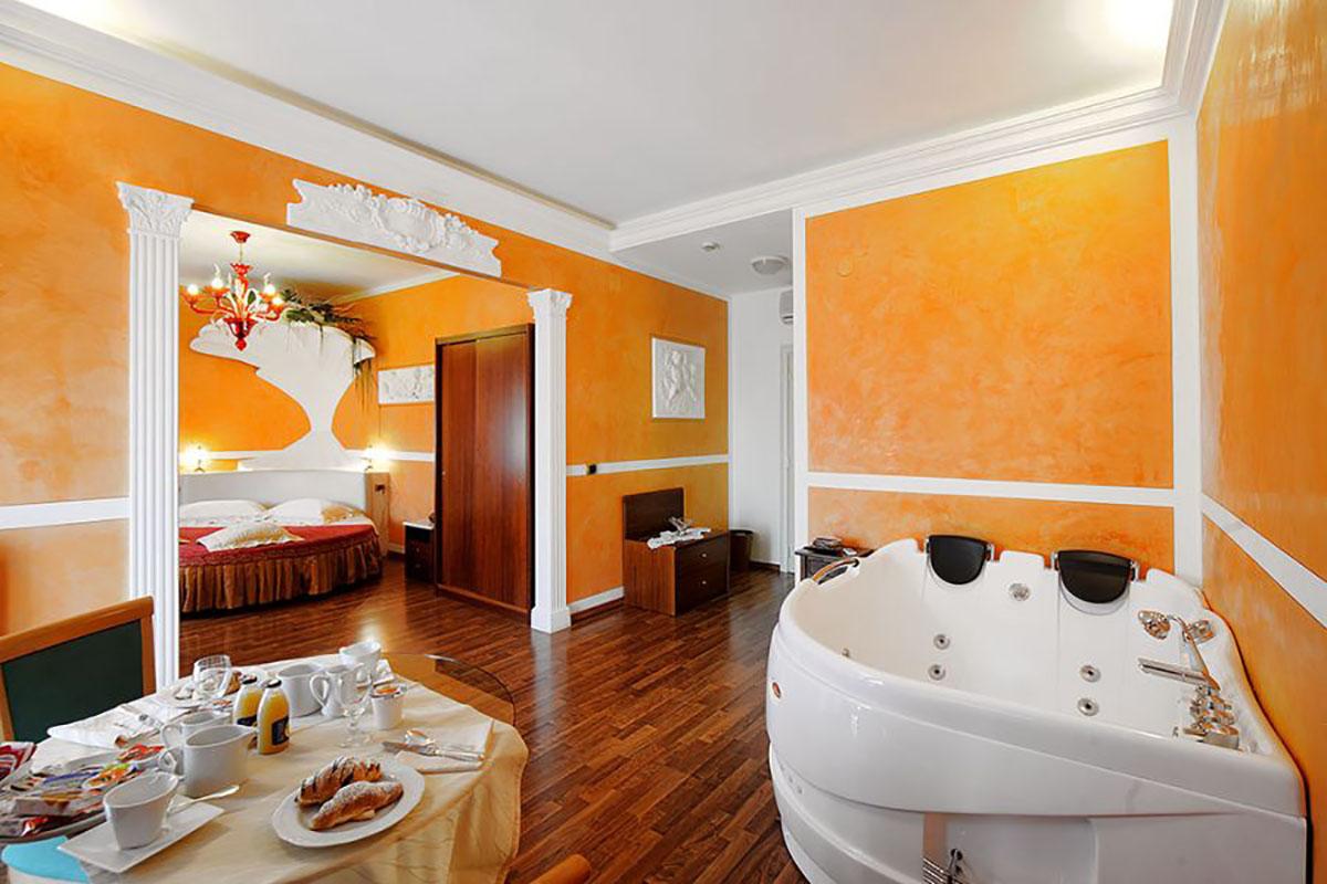 hotel romantico foligno