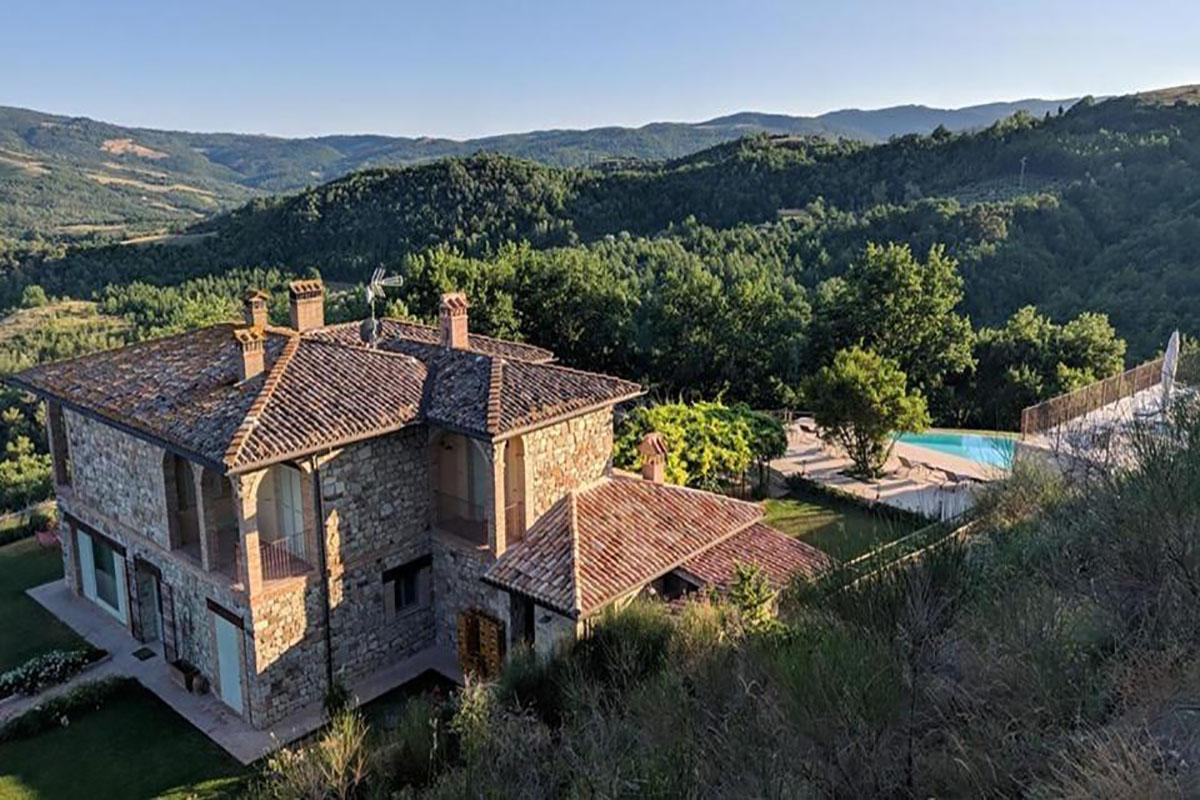 country house con piscina e ristorante todi